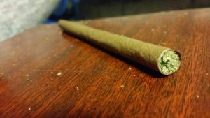 Rolled-Blunt-on-Table-300x169